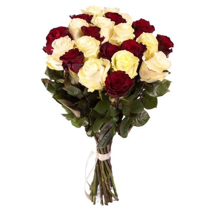 Букет из красных и белых роз.